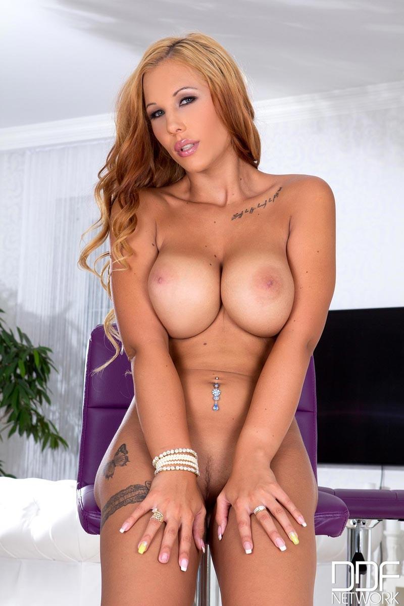 Skinny Busty Teen Porn