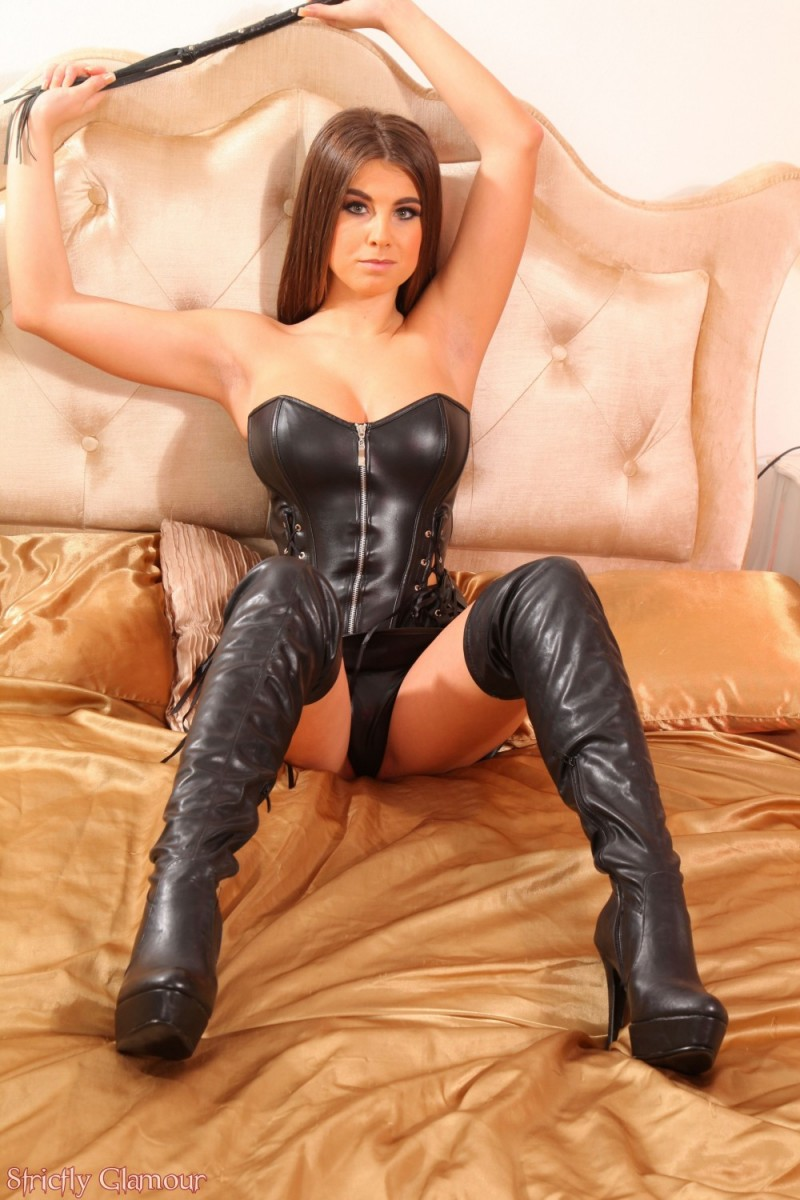 Sarah Mcdonald In Sexy Leather-7016