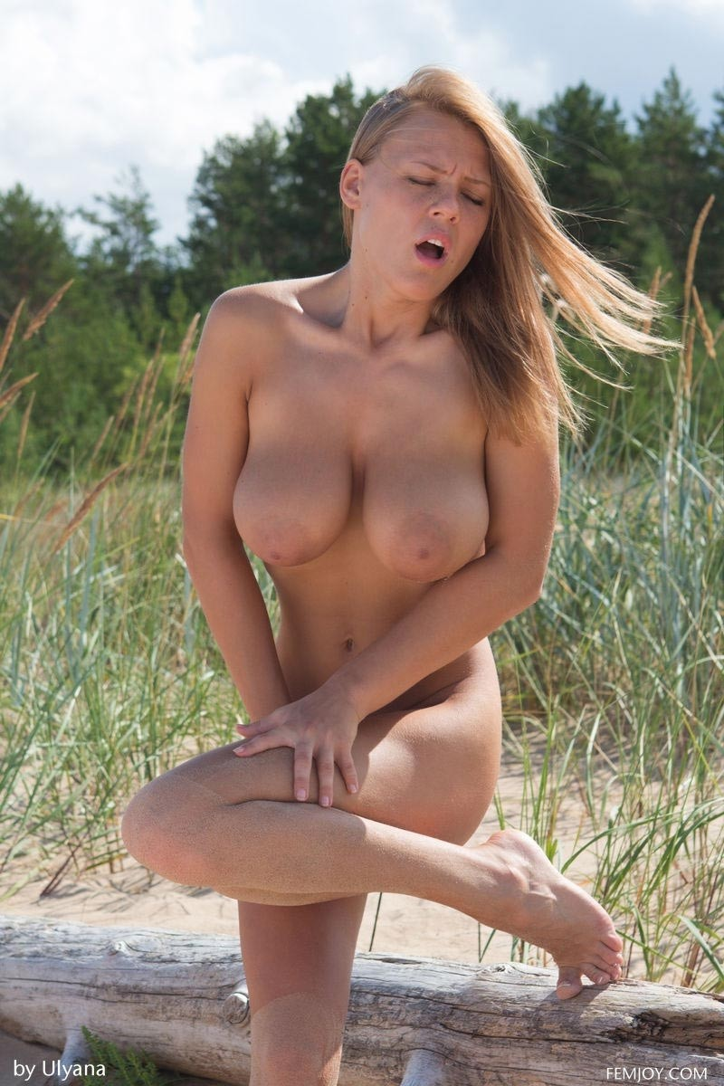 Beach Video Naked