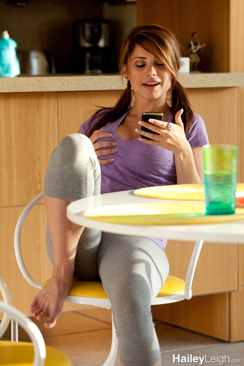 Hailey Leigh Purple Top And Yoga Pants-2590