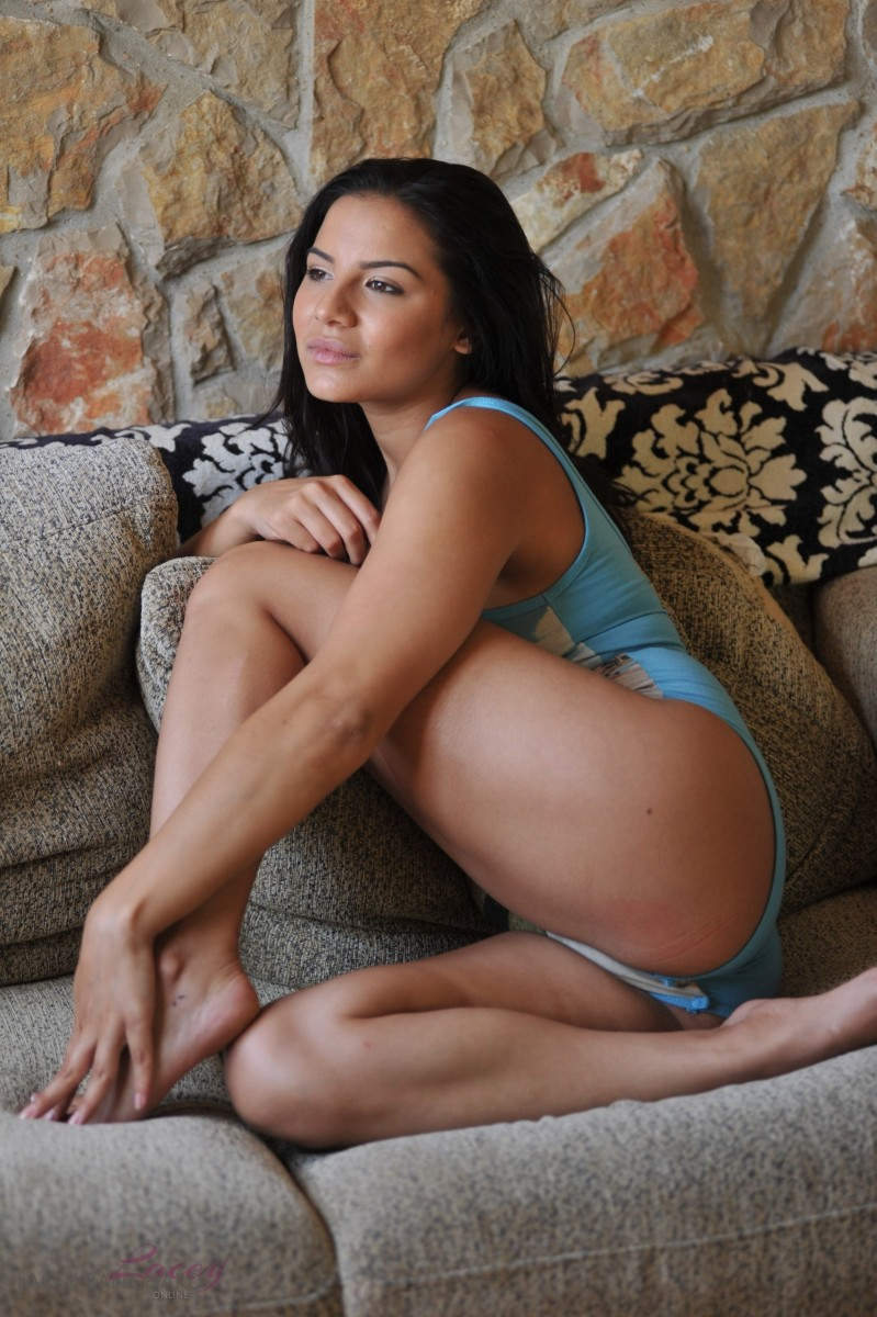 Free brunette milf porn
