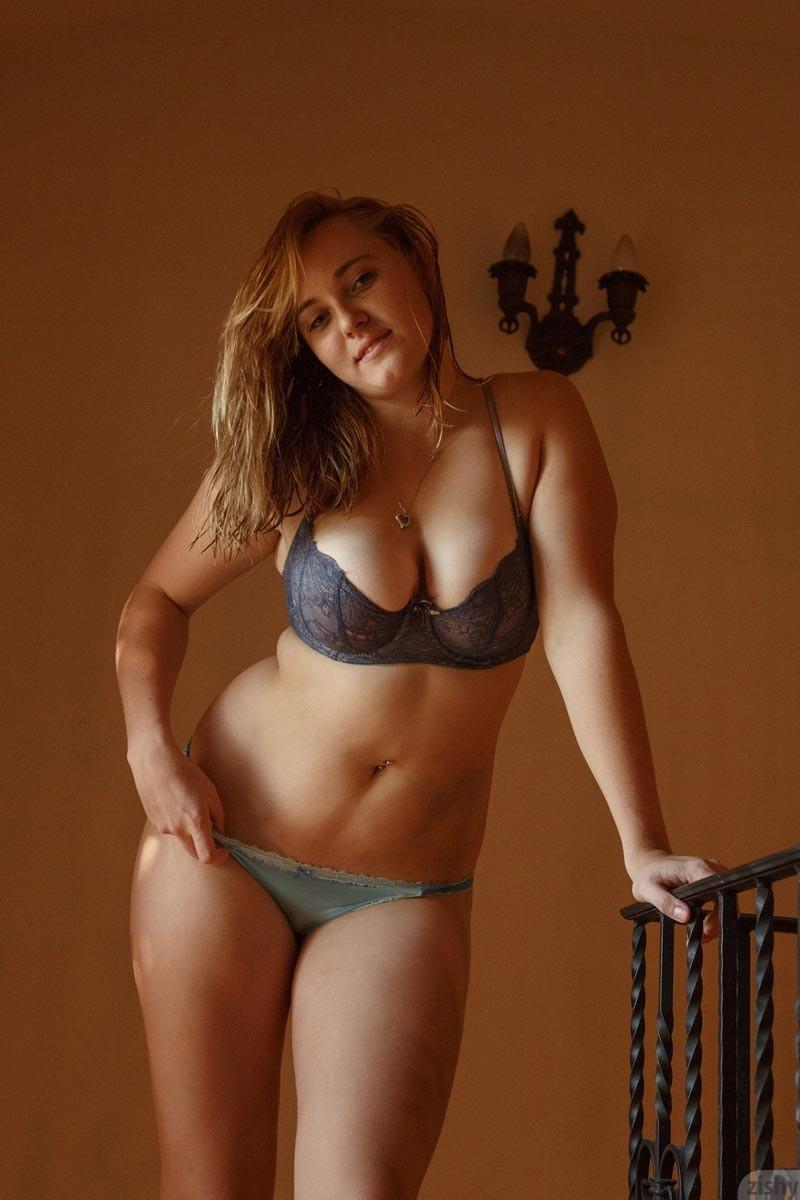 Pics curvy lingerie porn