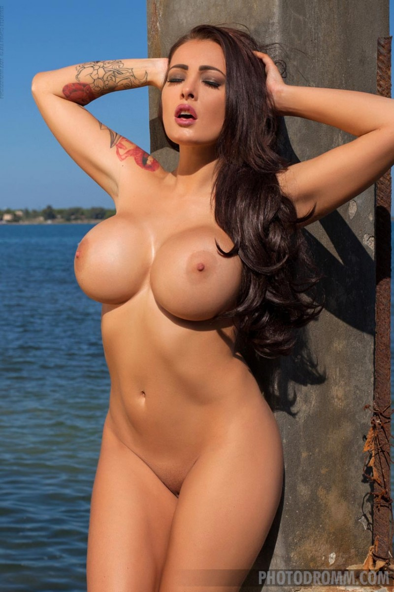 Big Sexy Boobs Nude
