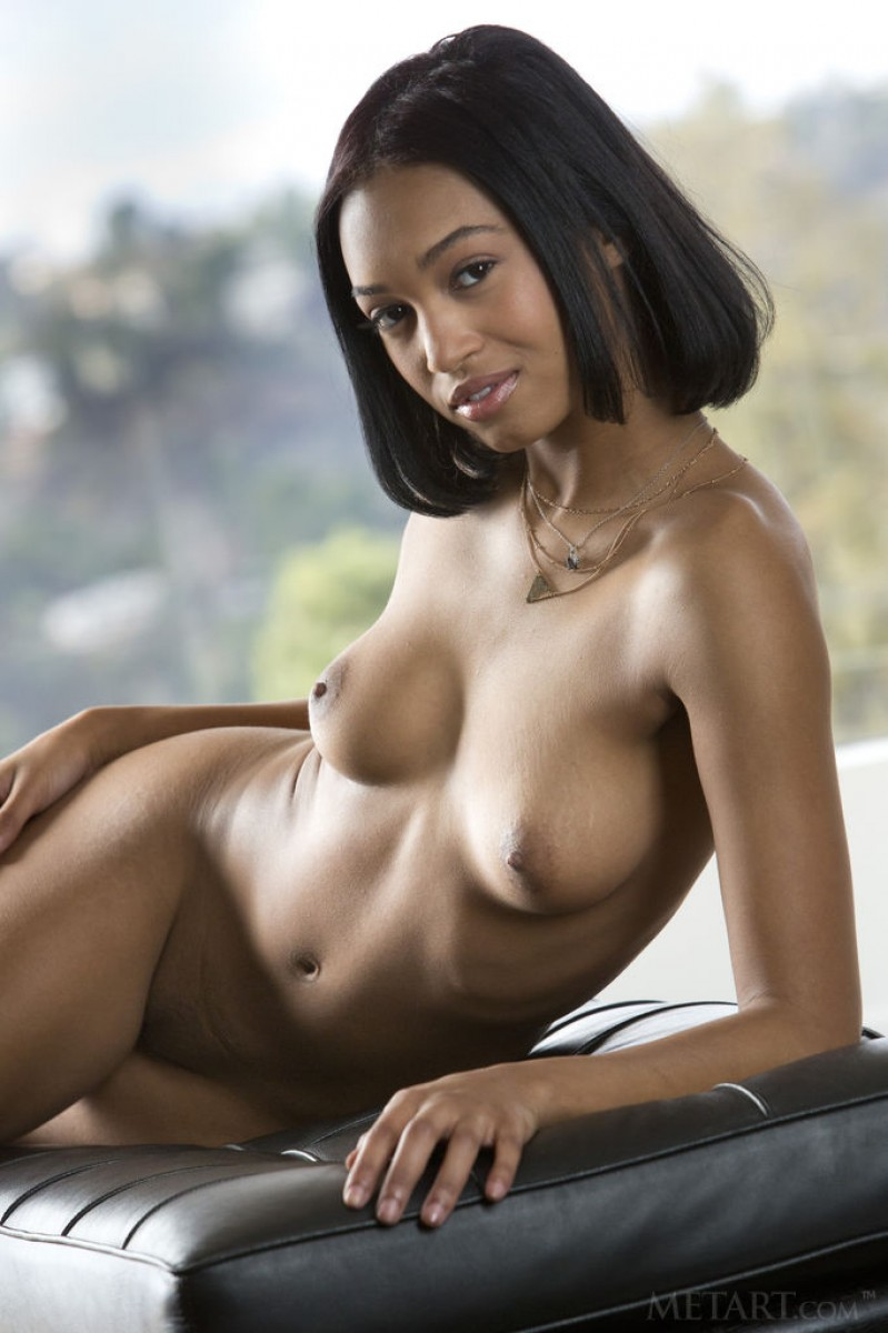 cute nude african women