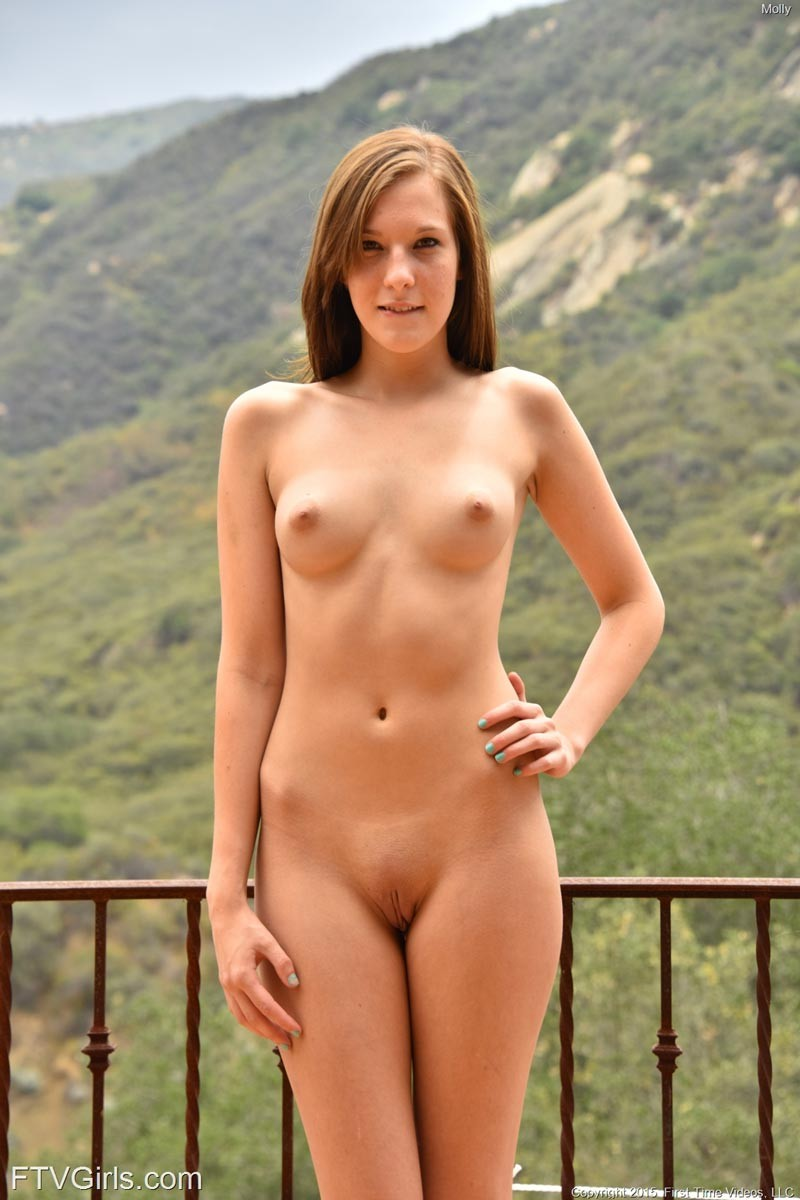 Cute naked amature