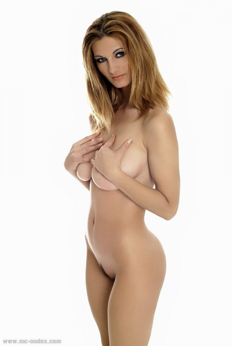Lovely Vanessa Curvy Vixen-5239