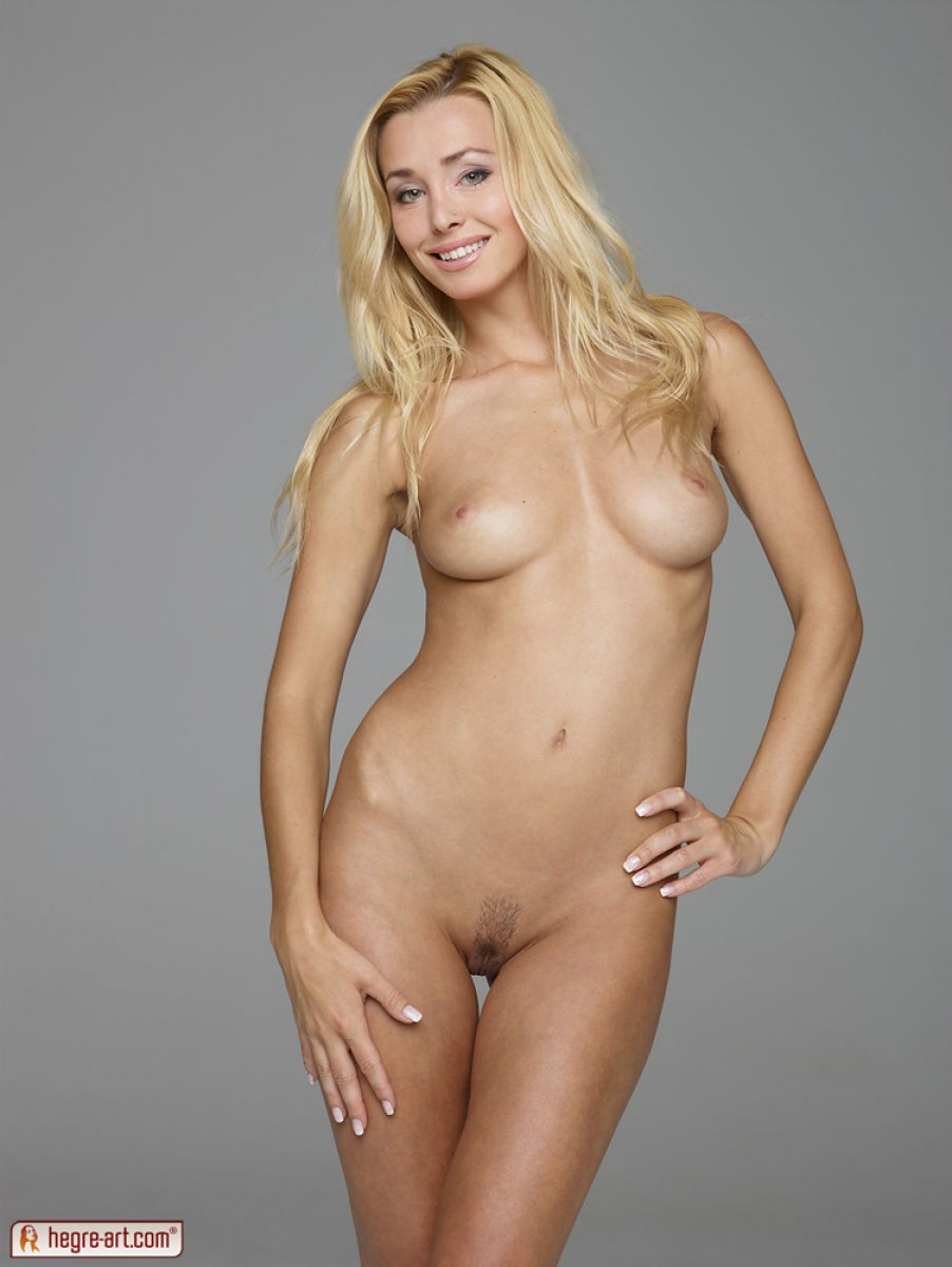 Does nude blonde models porn especial