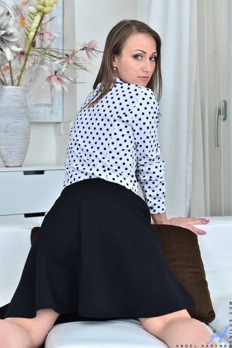 angel karyna milf in a black skirt and heels