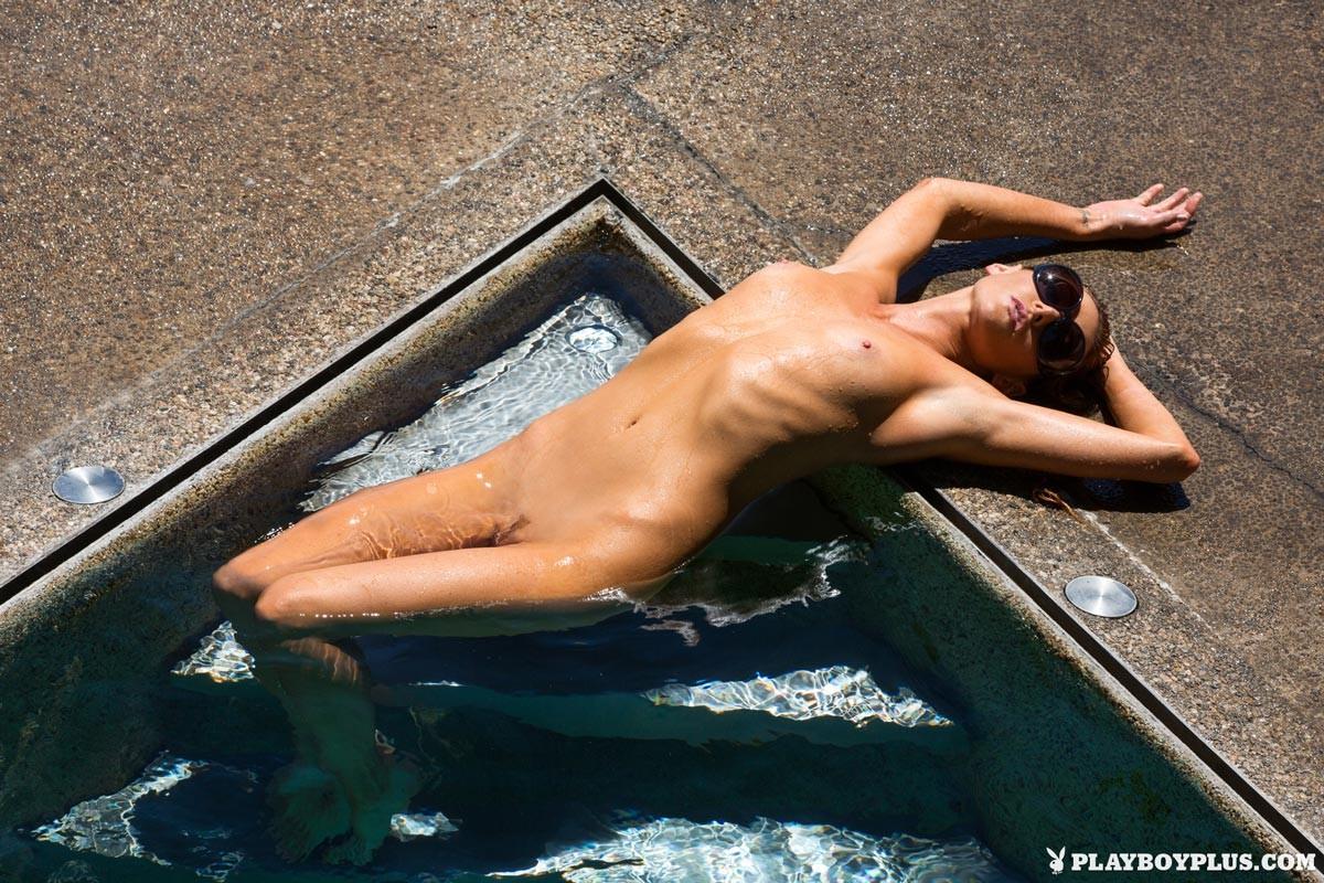 Erotic Underwater Nude-4447