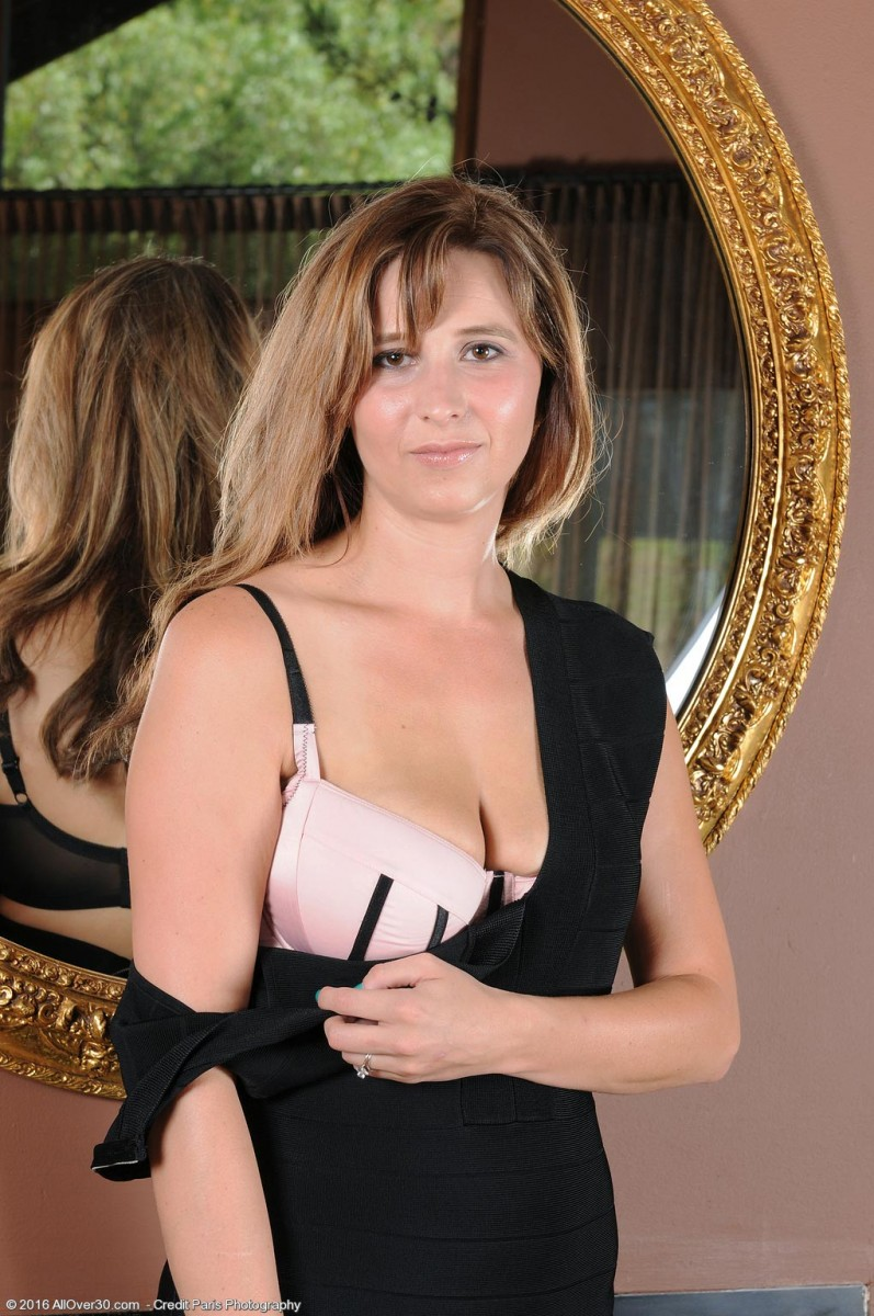 Mature Nude Saggy Tits