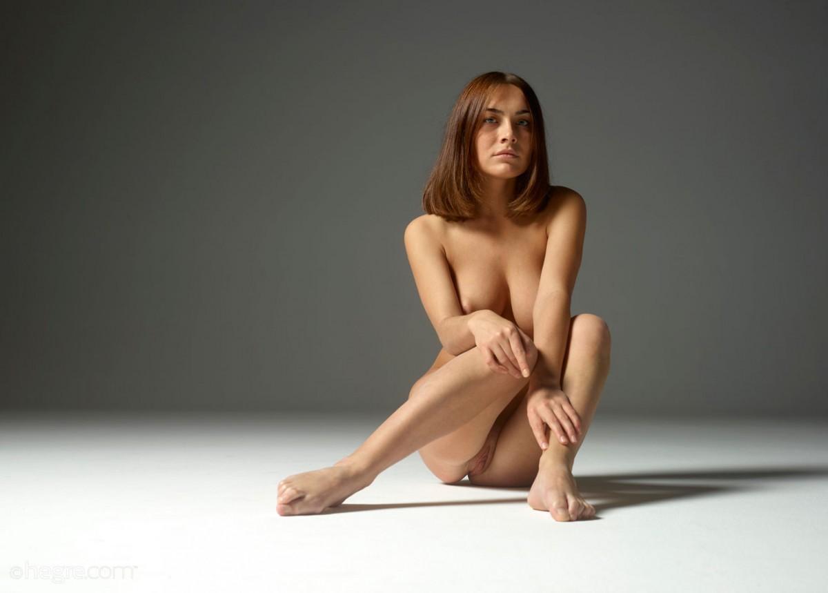 https://cdn.erocurves.com/galleries/72832/0_big.jpg
