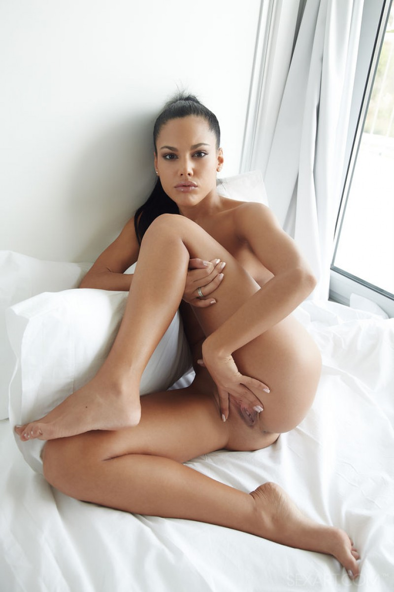 hot latina pussy nude