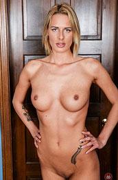 Chelsey nackte bilder, Alligatoren Mädchen nackt