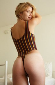 Arya Fae Takes off her Bodysuit