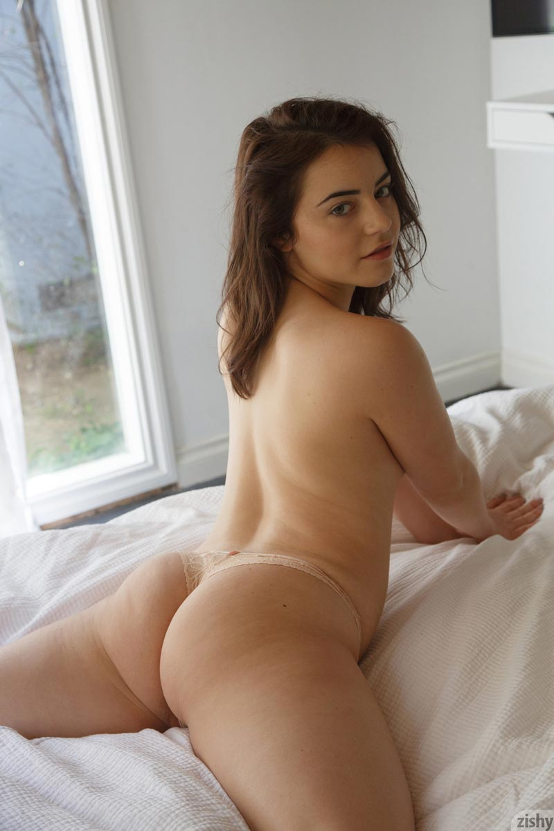 Zishy girls naked