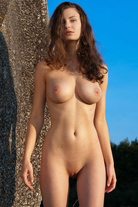 Susann Outdoor Goddess