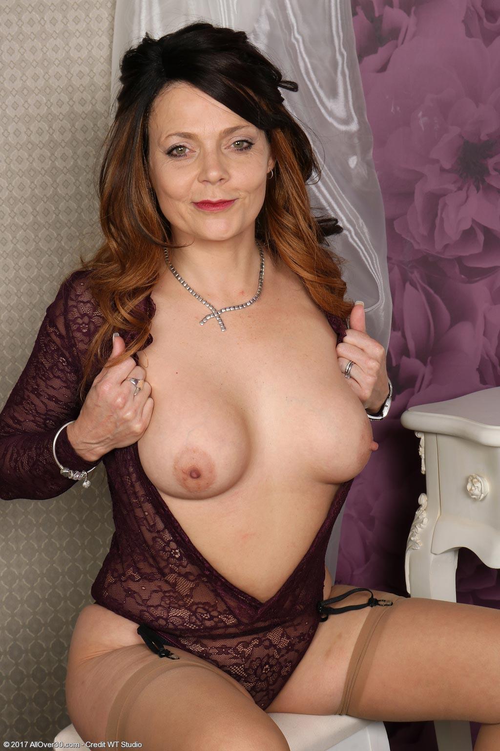 Gemma Gold Milf In Nylon Stockings-9897