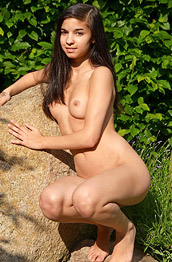 Nikola Nude Teenie in the Backyard