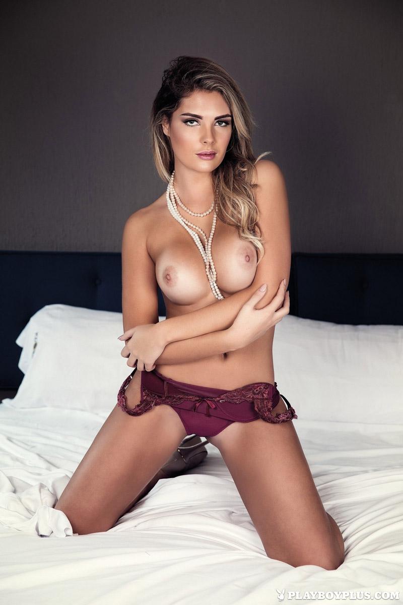 Naked sarah harris Sarah Harris