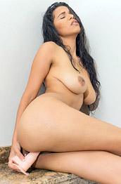 Kendra Roll Kinky in the Shower