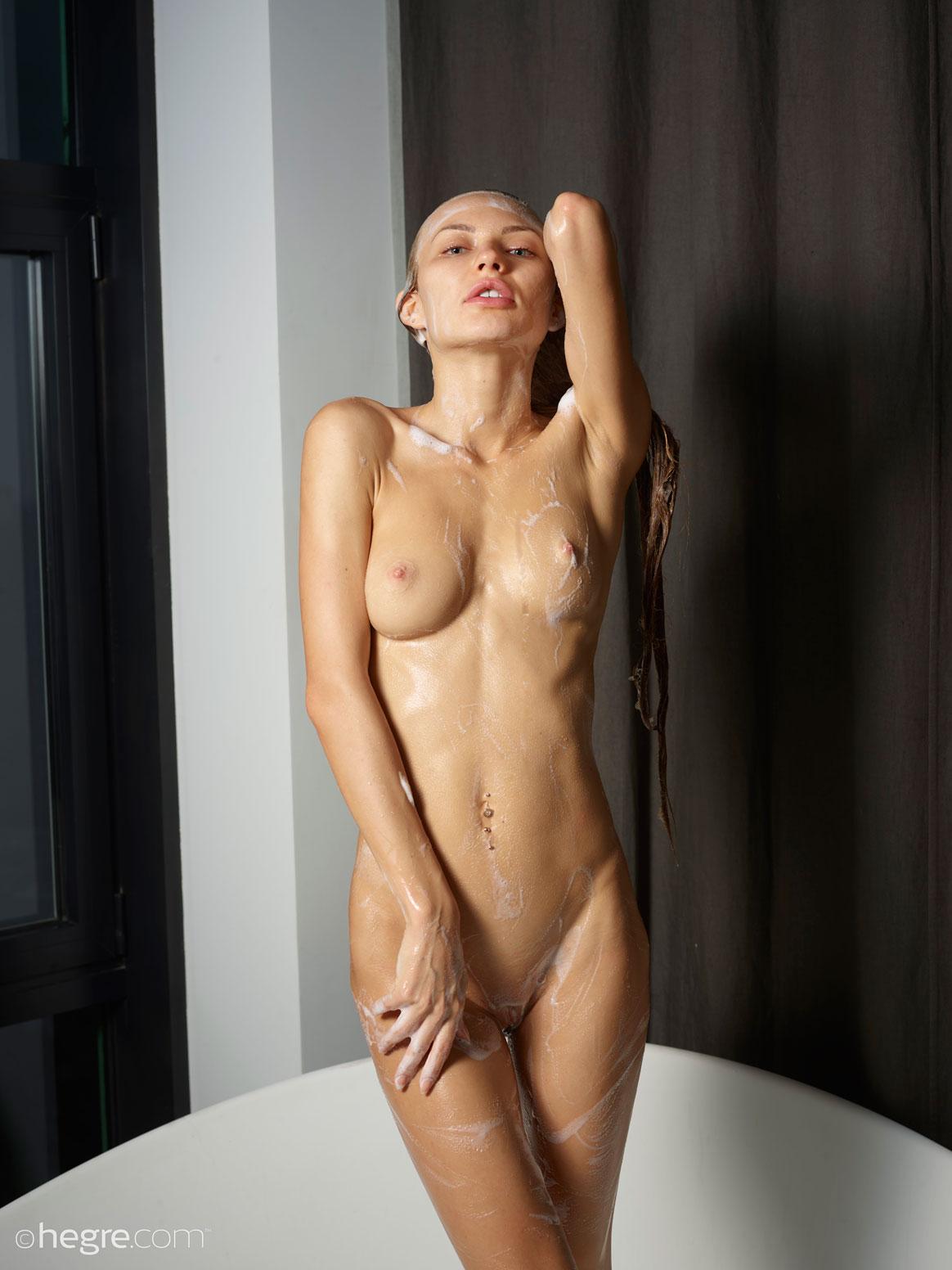 Jolie Dripping Wet