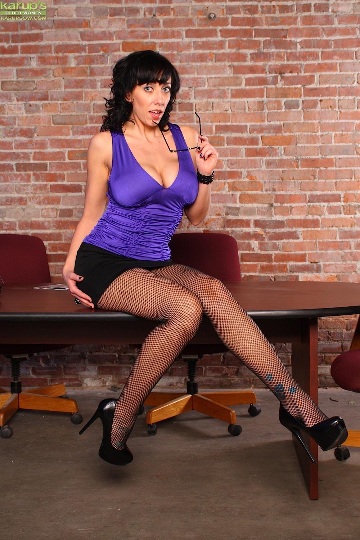 alia janine strips off her purple dress