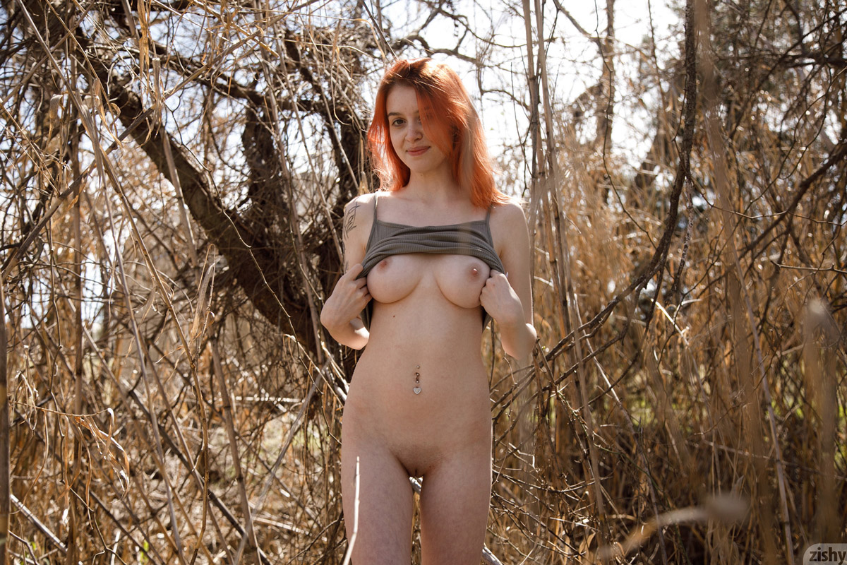 Wanda Ablee Naked in the Park