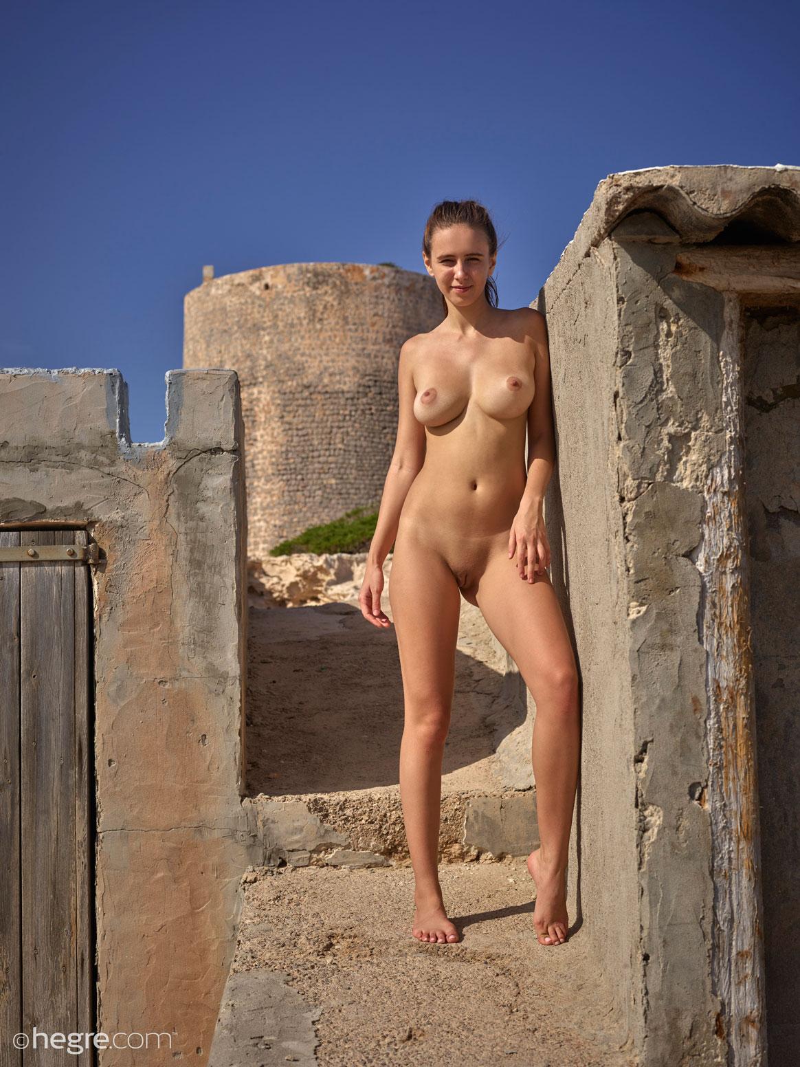 Alisa Busty Ibiza Girl