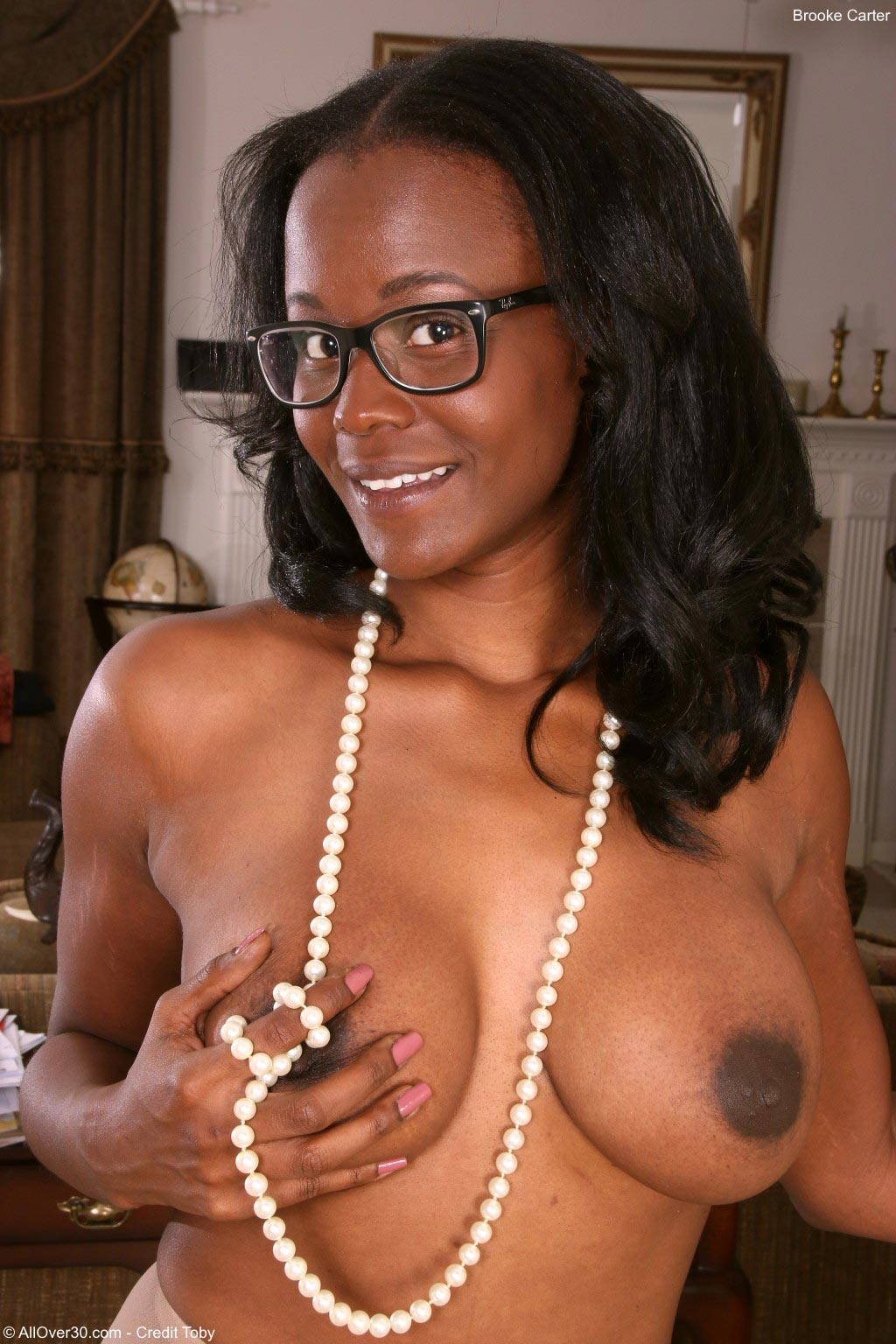 Busty Ebony MILF Brooke Carter on AllOver30