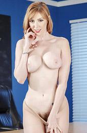 lauren phillips - nude pics and galleries