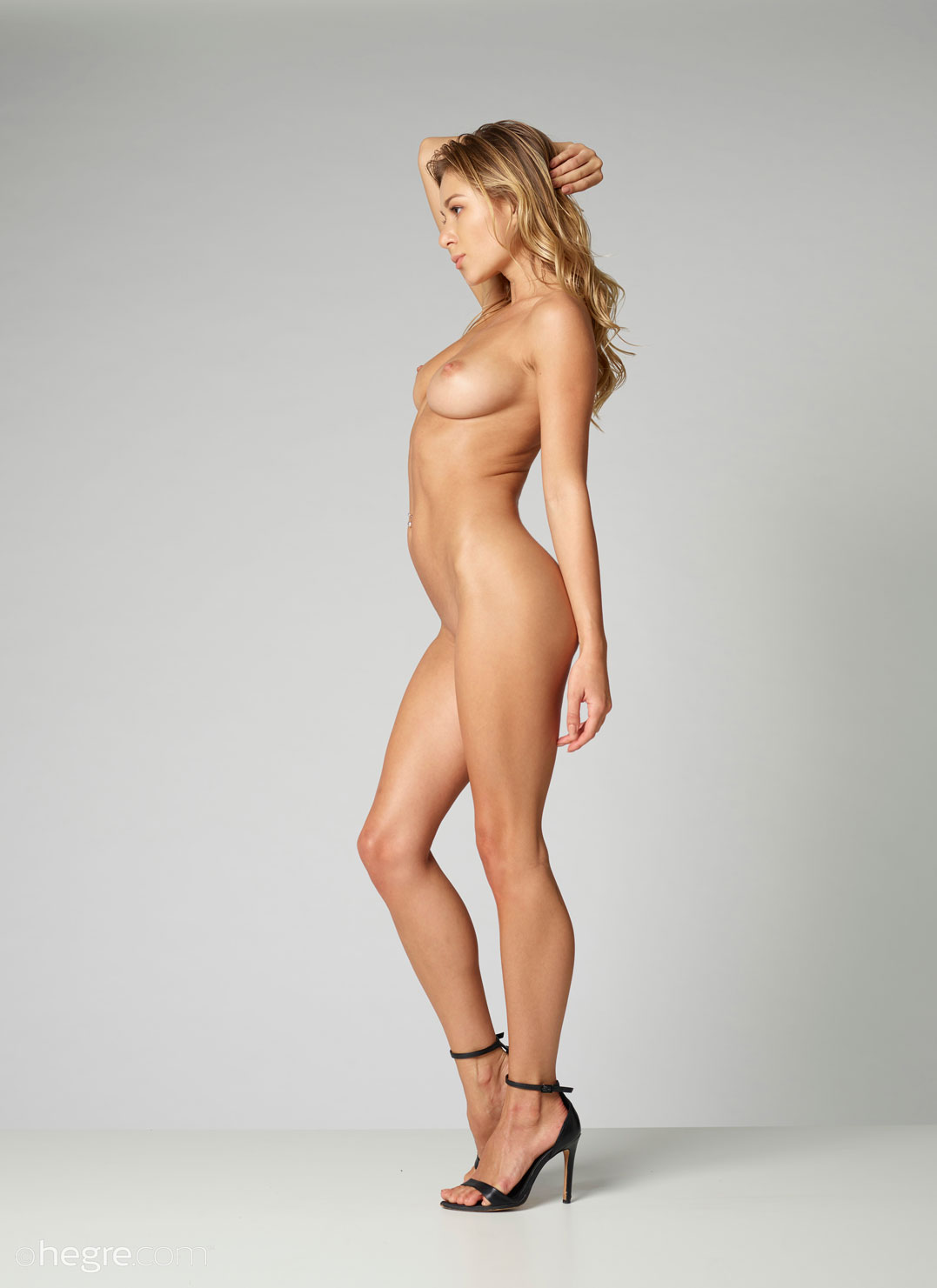 Free nude mirror pics