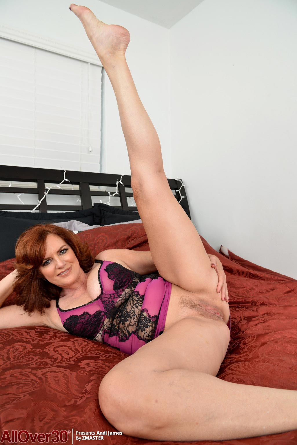 Andi James Shows Pink Milf Pussy-4044