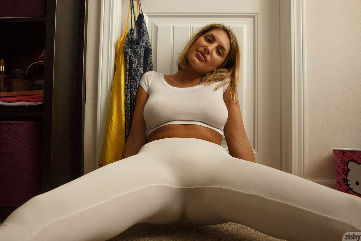 August ames tights