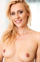 Brittany Bardot Lean Nude Milf Pornstar