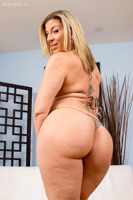 Sara Jay Thick Milf Pornstar Strips-7855