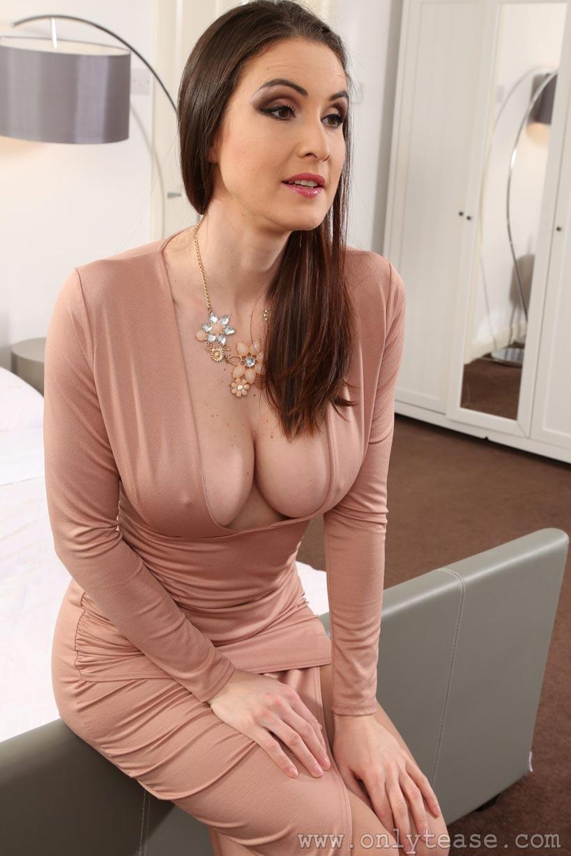 Elle Faye Tight Dress Tease 06 Mybigtitsbabes