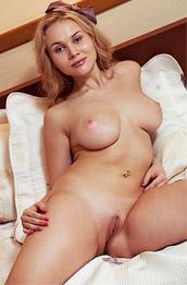 Caroline Abel Perfect Blondie in Bed