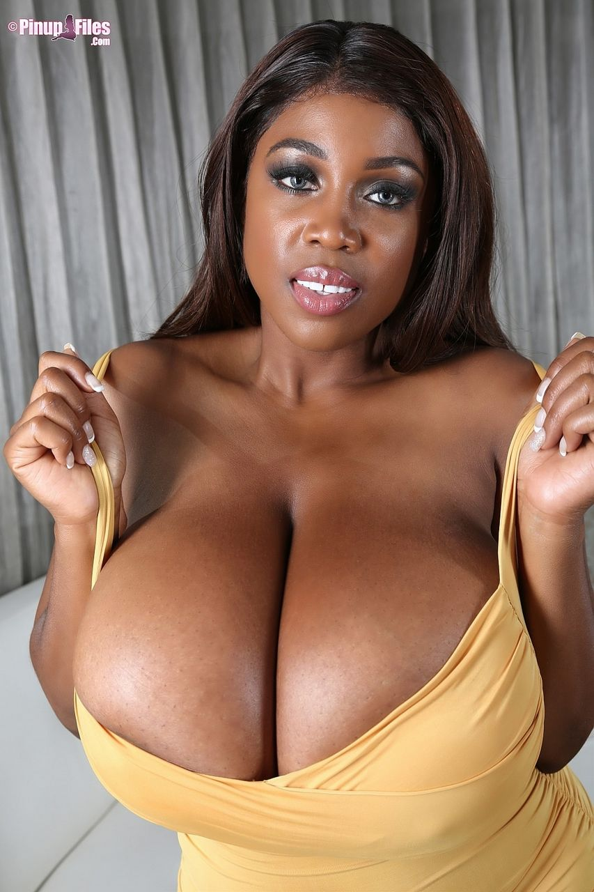 Ebonyboobs
