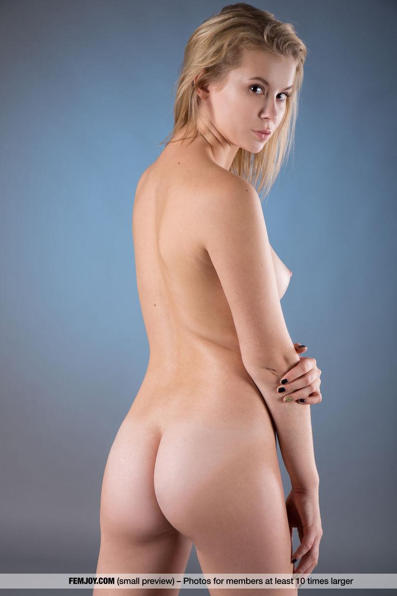 Tiny Teen Naked Tits