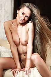 Rozmari All Natural Nude Girl