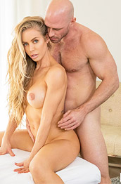 Nicole Aniston Boned in Bed