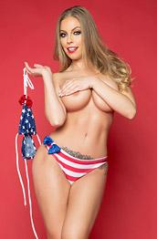 Britney Amber Takes off her Sexy Bikini