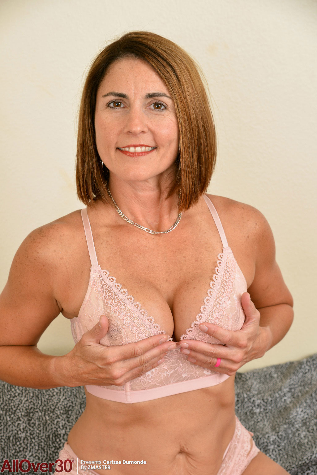 Nude shaved cougar