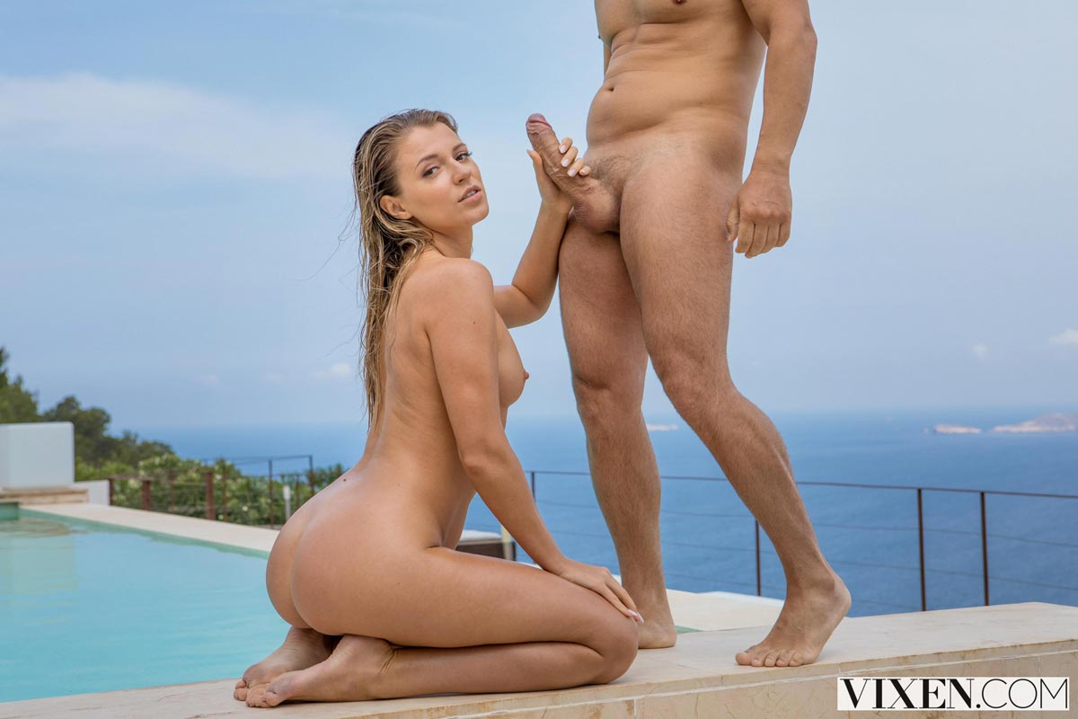 Asian curvy naked women