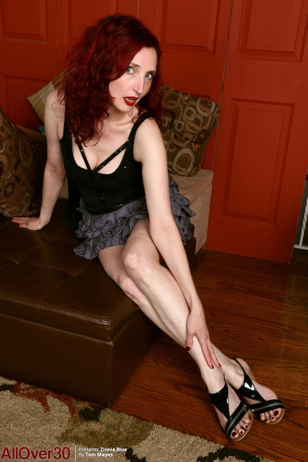 Zinnia Blue Leggy Red Hot Mature