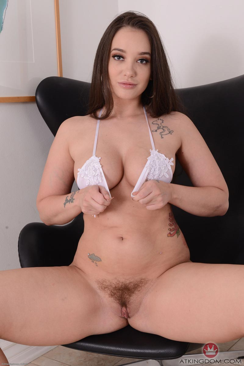 Amiture wife first big dildo
