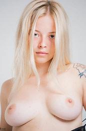 Bianca Perfect Blonde Hottie