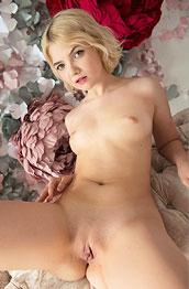 Cali Angelic Blonde Posing Naked