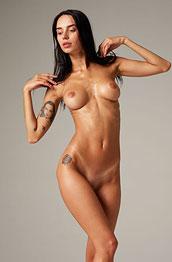 Dita V Nude Fit Goddess
