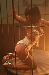 Mia Valentina Naked in a Cage